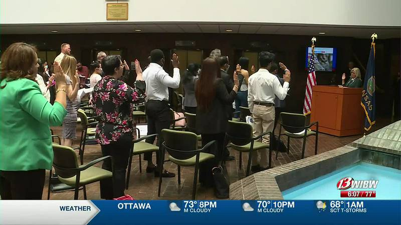 Federal courthouse welcome 120 new citizens in Topeka