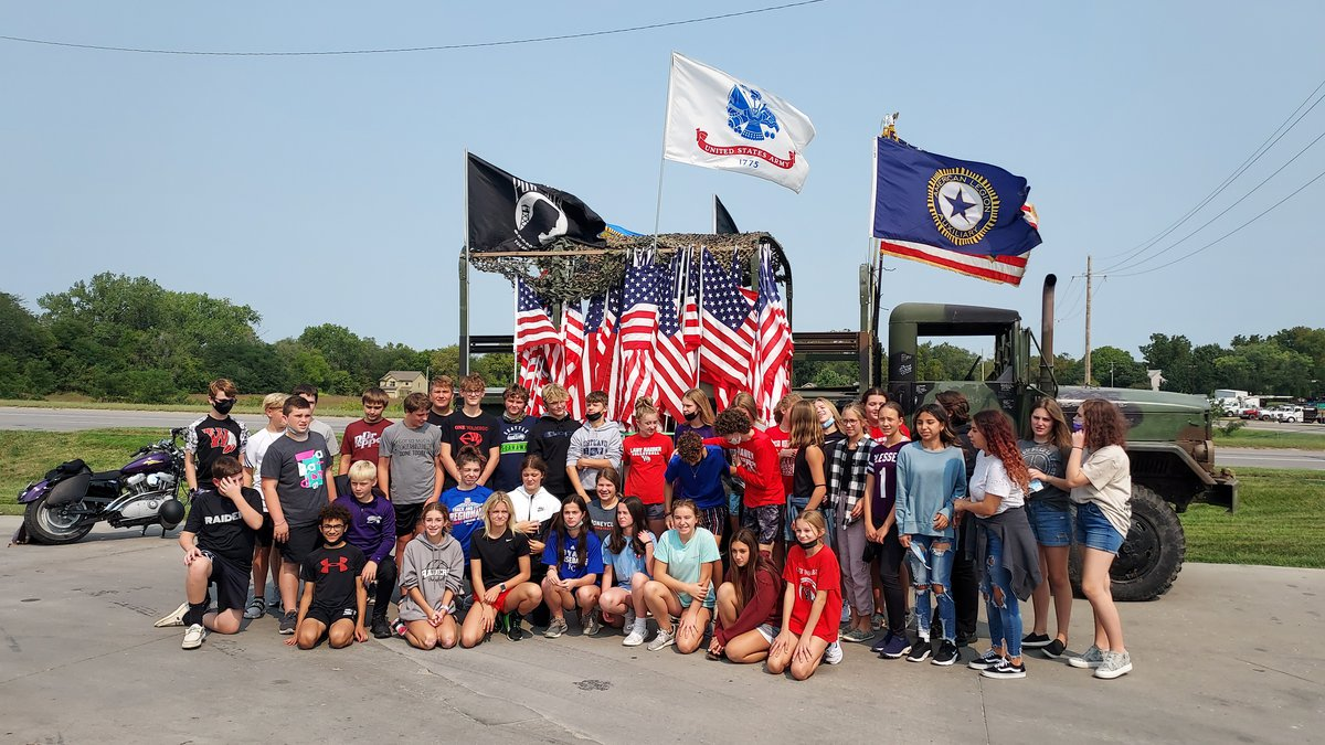 Wamego middle school students help Post 172 remember 9/11