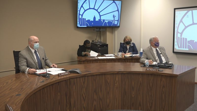 Shawnee Co. commissioners discuss moving away from coronavirus mandates