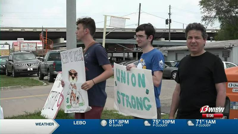 Union leaders say about 10 workers have returned to their post in the past week of the strike....