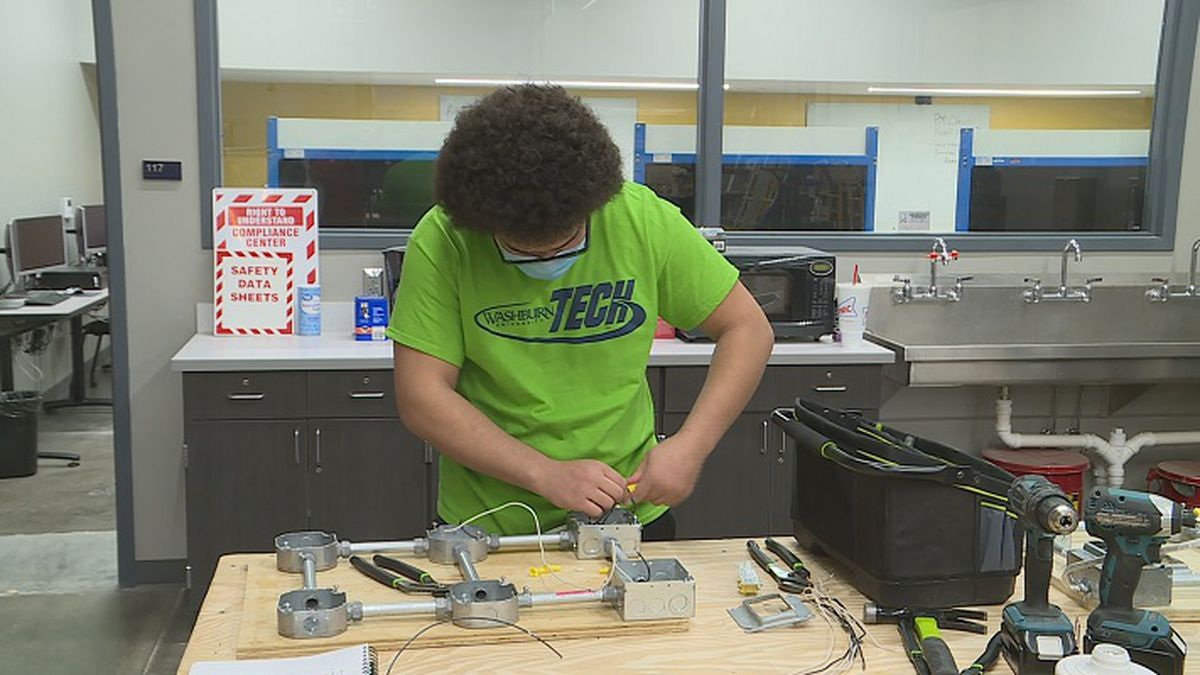 Washburn Tech East is now offering two evening classes.