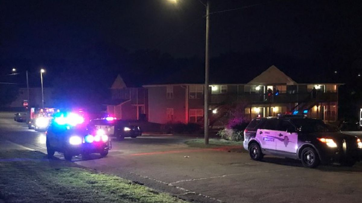 Topeka Police investigate a shooting Sept. 21, 2020, in the 2000 block of SE Massachusetts.