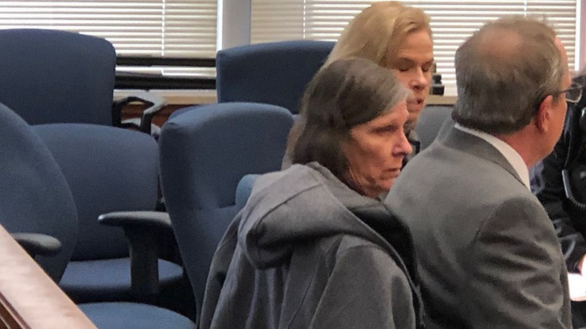 Dana Chandler and her attorneys, Paul Oller (right) and Cyndy Short (left).