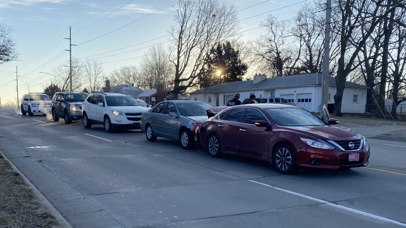 No serious injuries were reported in a three-vehicle collision Tuesday morning in the 1600...