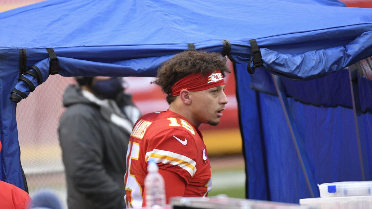 Kansas City Chiefs quarterback Patrick Mahomes enters the injury tent during the second half of...