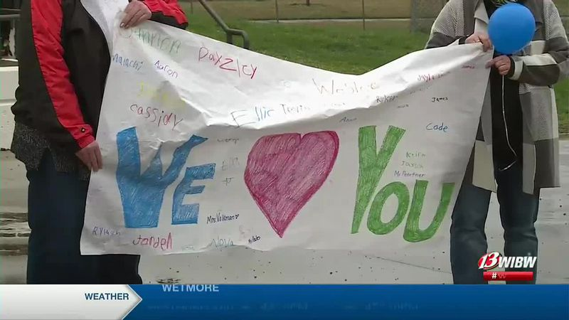 Lyndon students come together to support a student who is getting a kidney transplant
