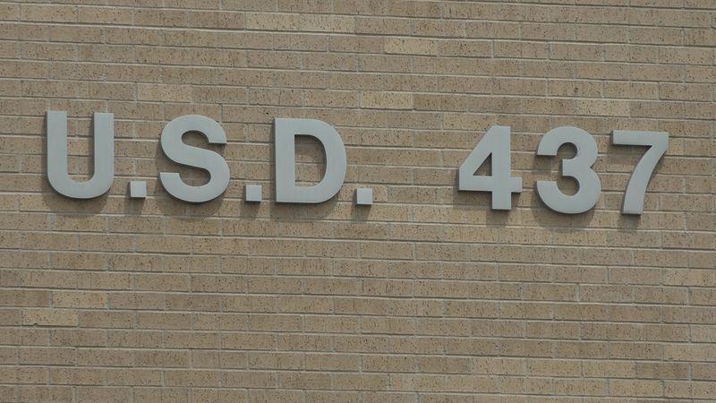 USD 437