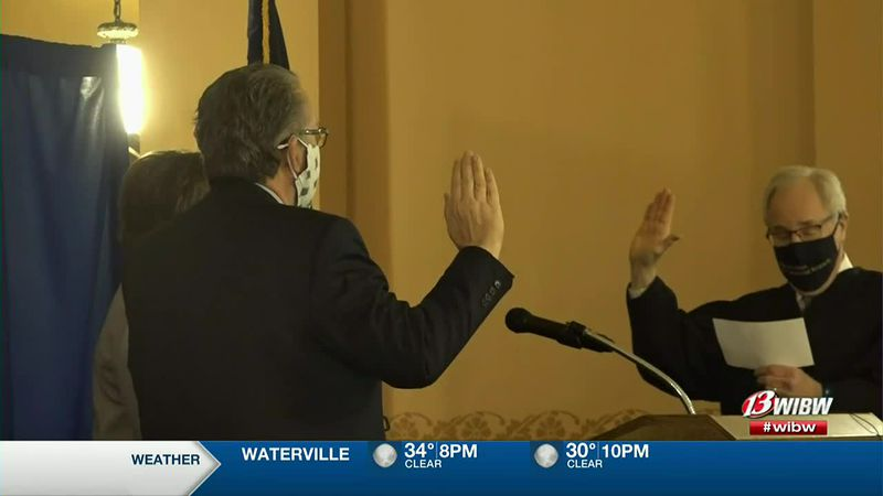Lynn Rogers and David Toland get sworn on