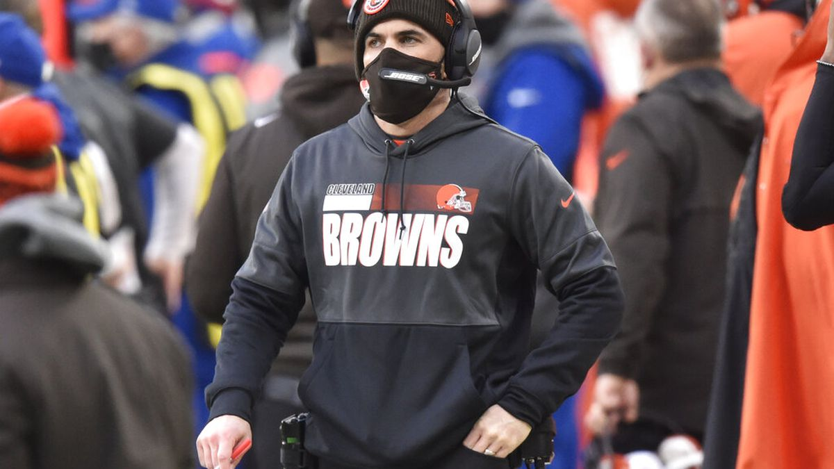 Cleveland Browns head coach Kevin Stefanski looks on during the second half of an NFL football...