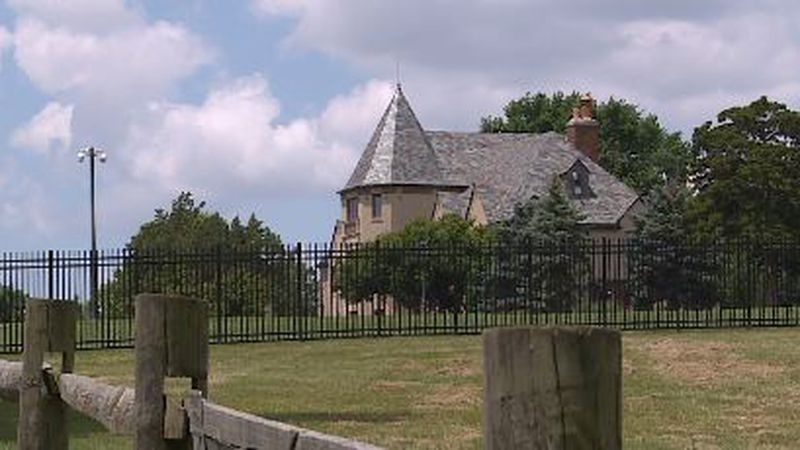A new fence around the Governor's Mansion in Topeka popped up on Thursday, raising questions...