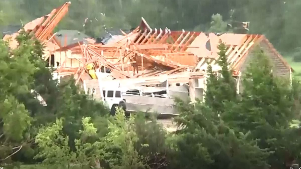Houses damaged south of Lawrence (WIBW/Shawn Wheat)
