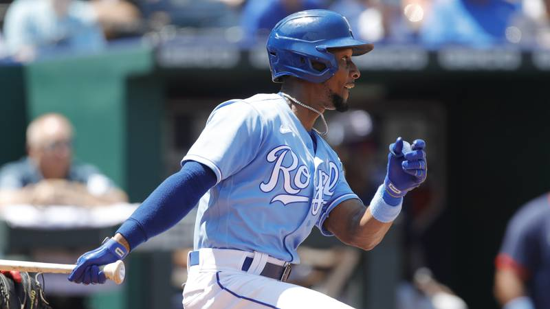 Kansas City Royals' Jarrod Dyson hits a two-RBI double in the third inning of a baseball game...