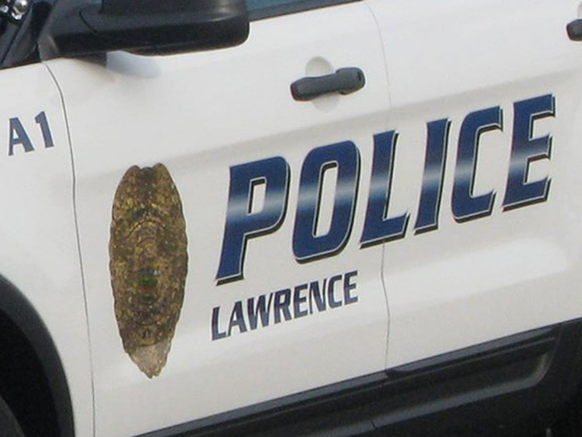 lawrence police searching for suspects in sonic robbery wibw com