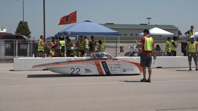 Solar Vehicle Number 22 Starting at Heartland Motorsports Park
