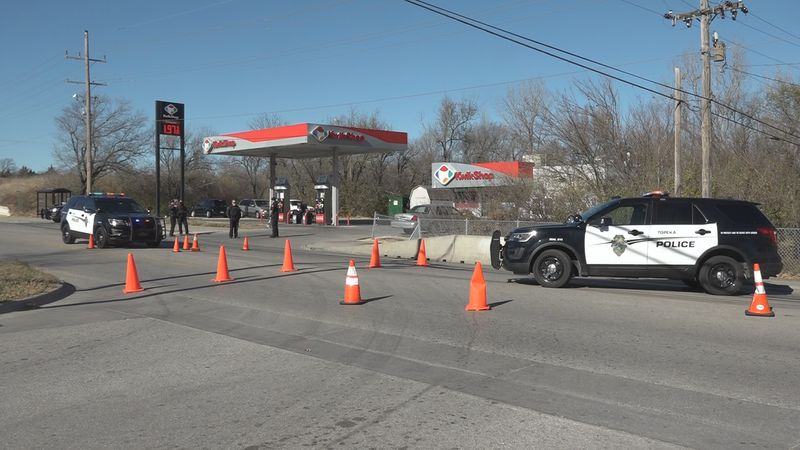 One person injured in shooting at southeast Topeka Kwik Shop
