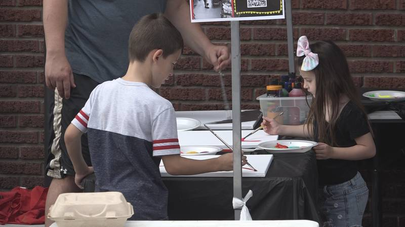 NOTO Vendors Market on Saturday gives two kids the chance to make art. (June 19, 2021)