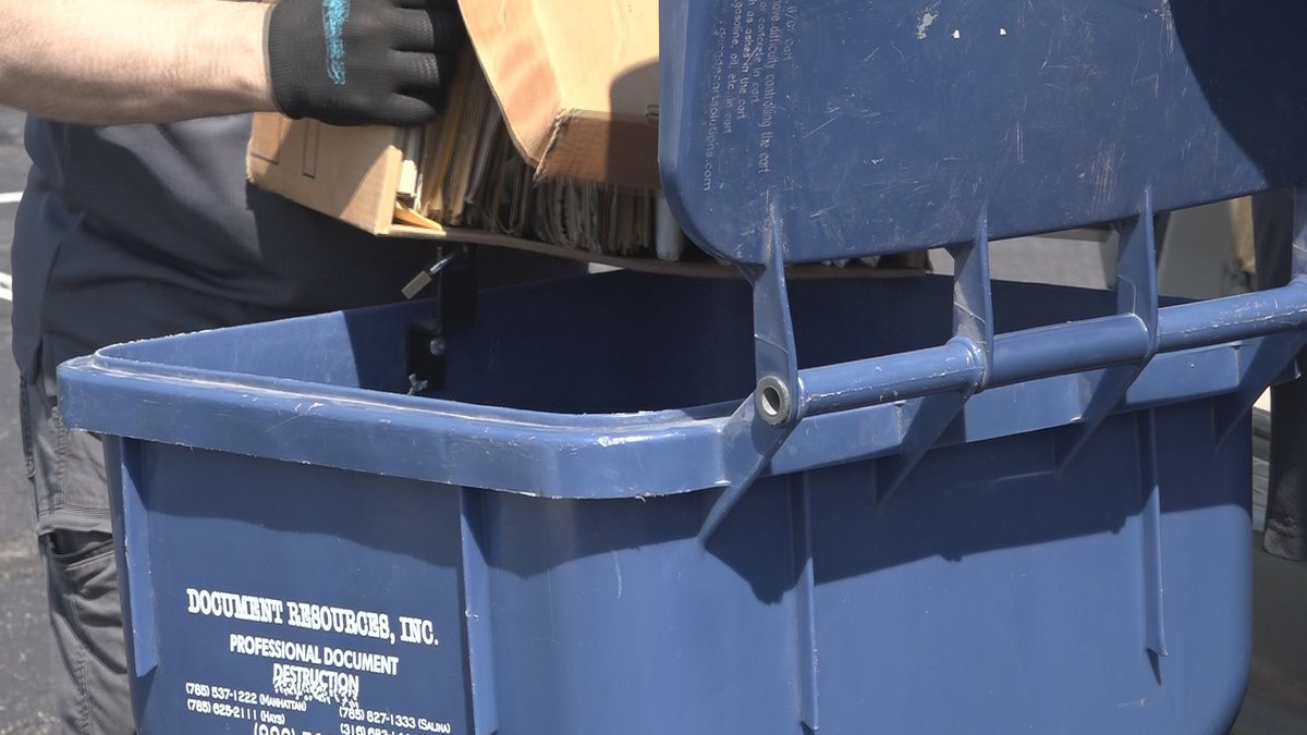 Envista Shred Day event at the Prince of Peace Church parking lot. (May 8, 2021)