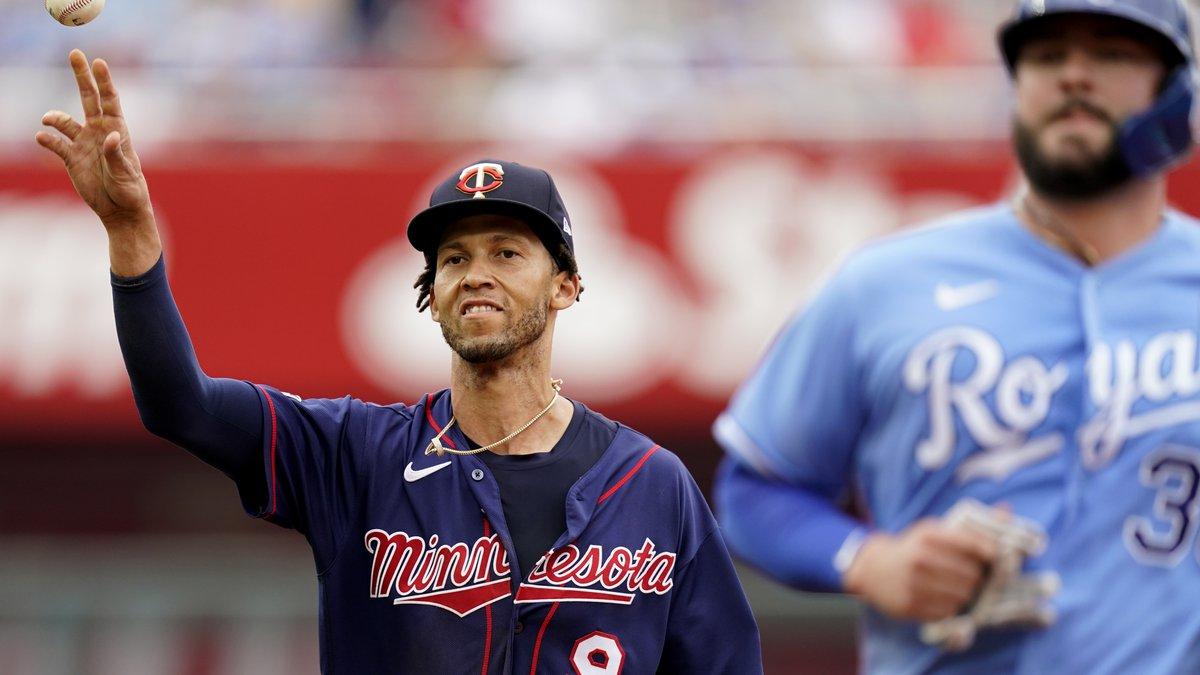 Minnesota Twins shortstop Andrelton Simmons (9) throws to first to get the final out of a...