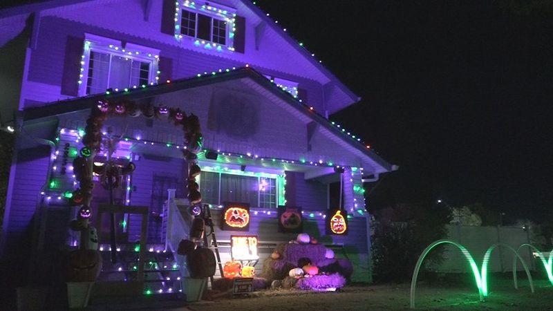 Halloween Glow House
