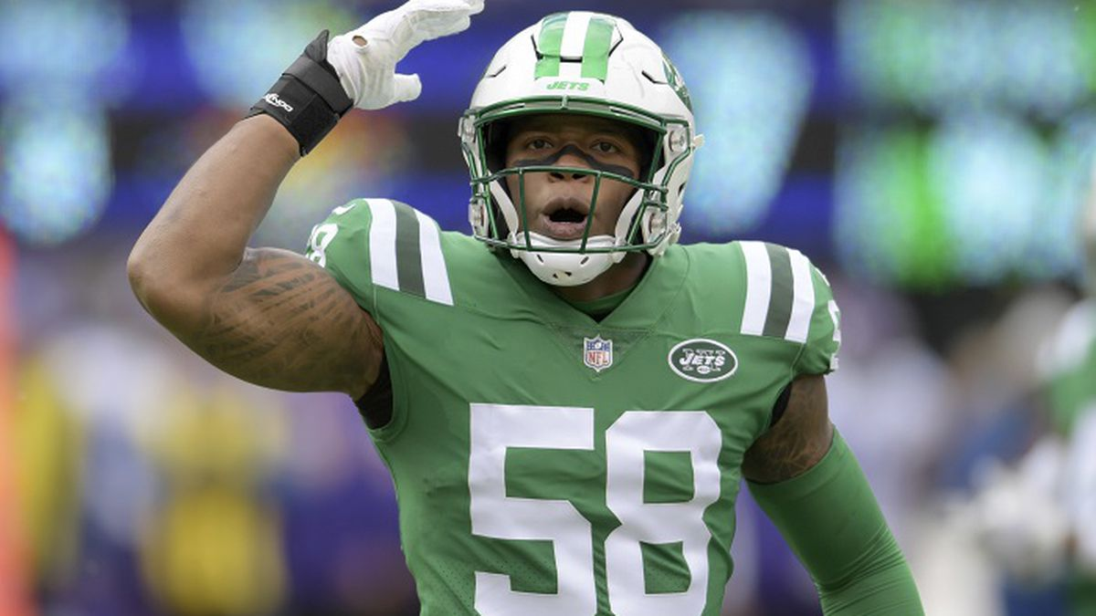 New York Jets inside linebacker Darron Lee (58) reacts during the first half of an NFL football game against the Minnesota Vikings Sunday, Oct. 21, 2018, in East Rutherford, N.J. (AP Photo/Bill Kostroun)