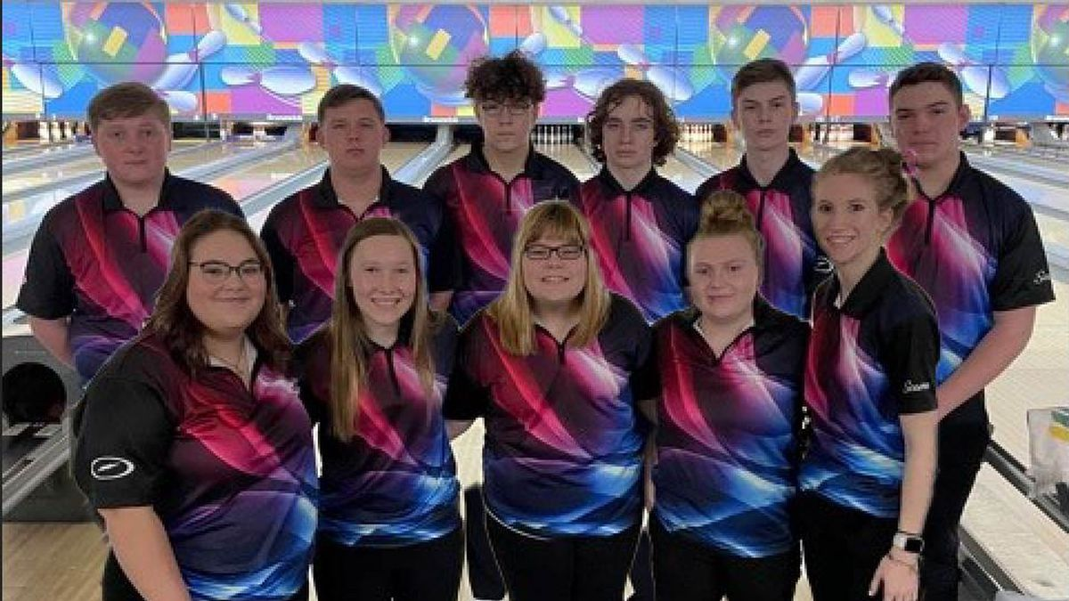 Seaman boys bowling finishes third at State, girls place fourth