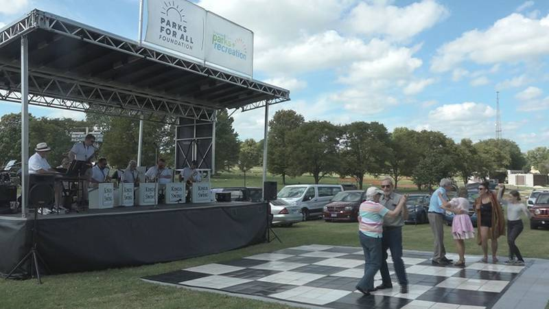 'Concert in the Park' brings music to Memorial Park Cemetery