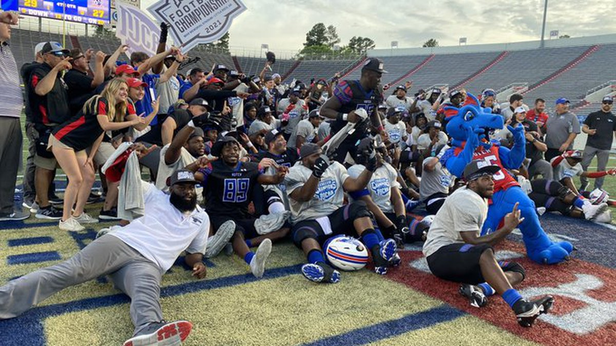 The Blue Dragon's defeated Snow College 29-27 to win program's first NJCAA Title