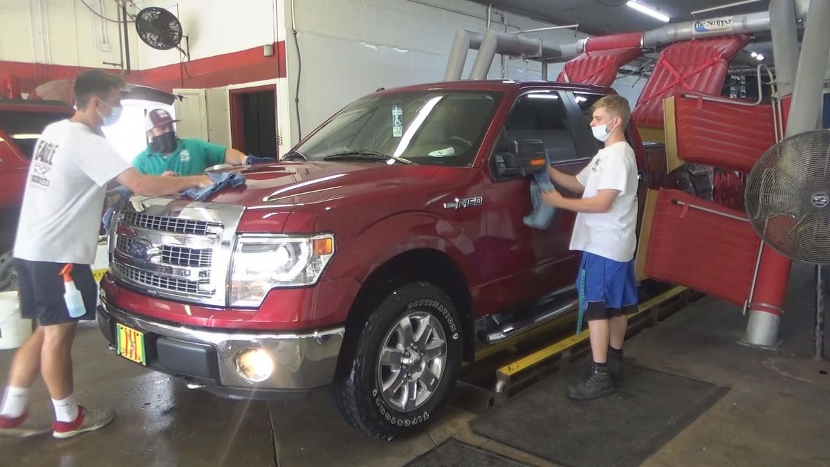 Topeka car wash offers free full-service wash to veterans, active duty military on Fourth of July