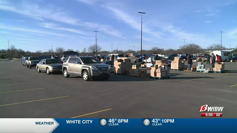 Topeka Harvesters give volunteers over 44,000 pounds of food to help 600 families