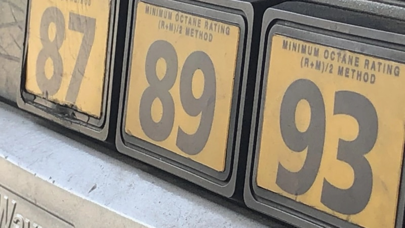 A photo of gas at the pump.